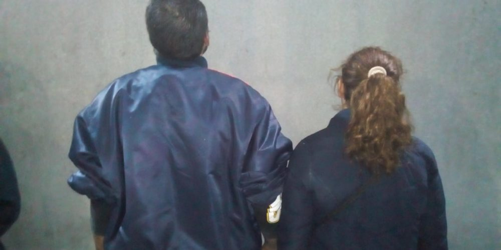 Pareja quiso viajar gratis en un taxi de Aguascalientes, los detuvieron