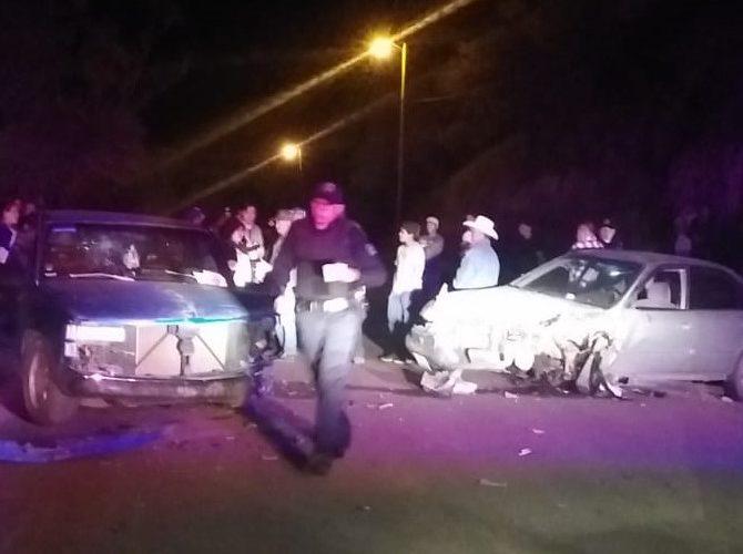 3 personas, entre ellas bebé de un año, quedan heridas en choque en Calvillo