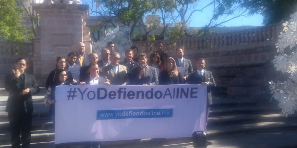 Empresarios de Aguascalientes se manifiestan en favor del INE