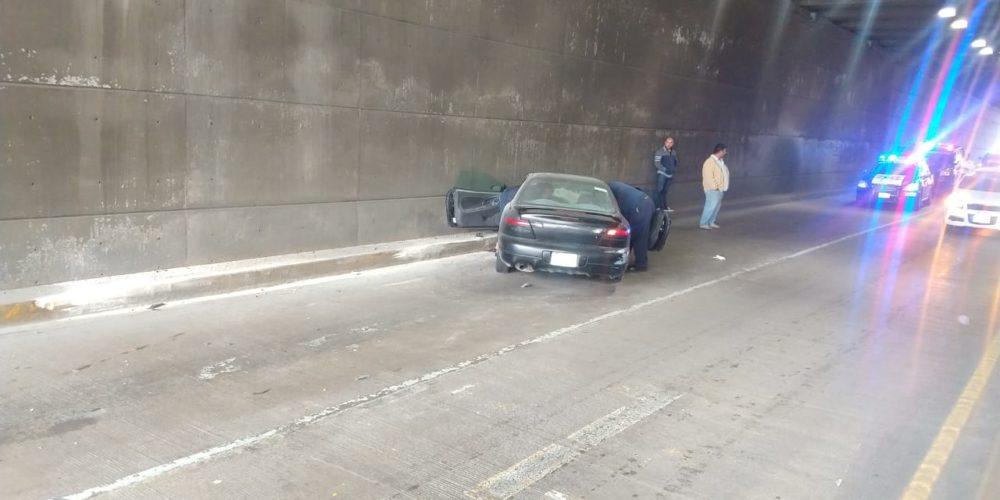 Veloz conductora terminó chocando en el puente del Cedazo