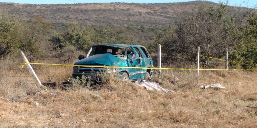 Aguascalentense se mata al volcarse en la carretera Villa Hidalgo-Ags