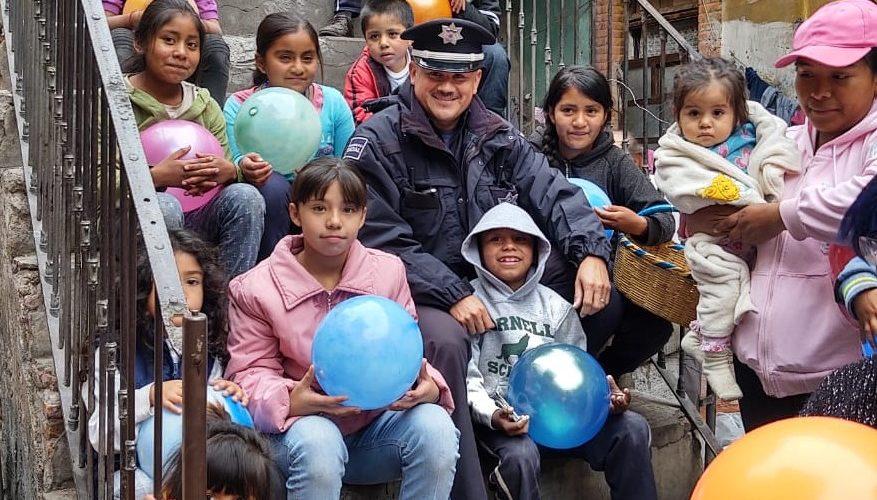Policías de Aguascalientes regalaron juguetes a niños de escasos recursos