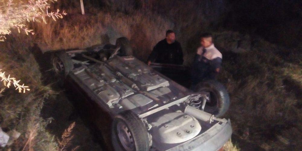 Volcadura deja 2 heridos frente a Las Violetas en Aguascalientes
