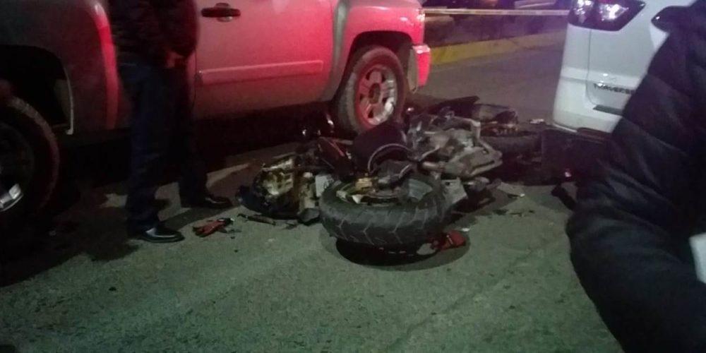 Conductor y acompañante sufren accidente en una motocicleta en Pabellón de Arteaga