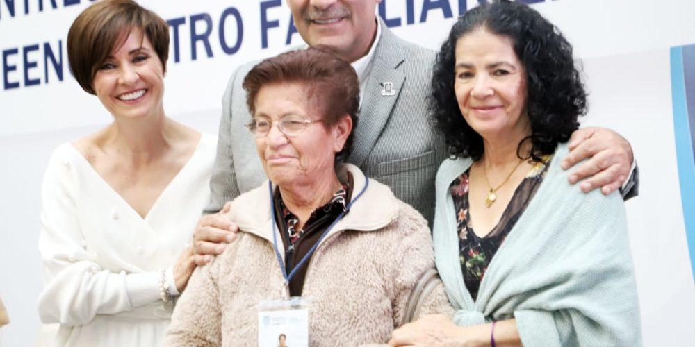 100 adultos mayores de Aguascalientes se reunirán con sus hijos en EUA