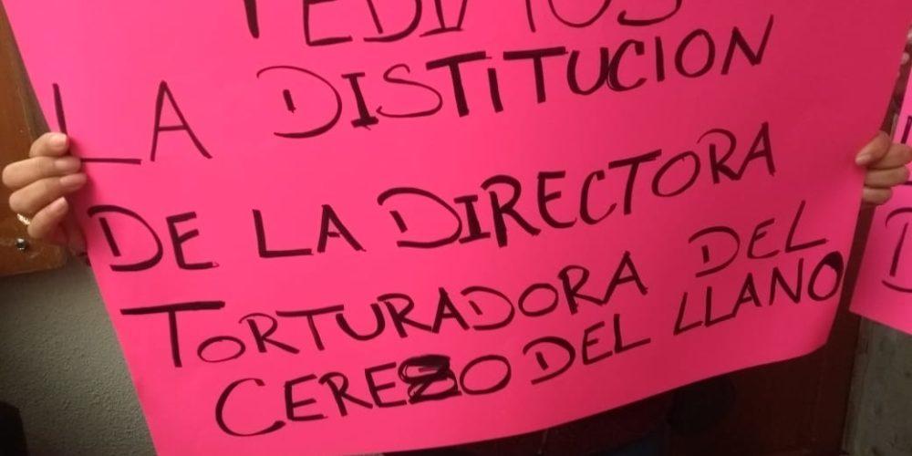 Se manifiestan familiares de internos del Cereso de El Llano
