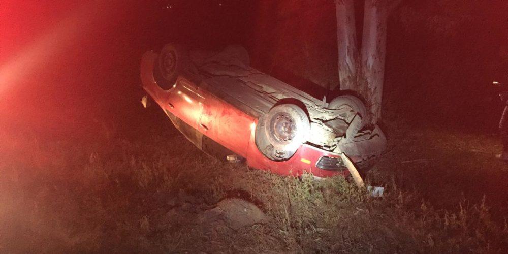Sujeto perdió el control del volante y se volcó en Rincón de Romos, Aguascalientes