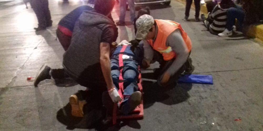 Dos personas resultan lesionadas tras chocar con su motocicleta en la zona centro