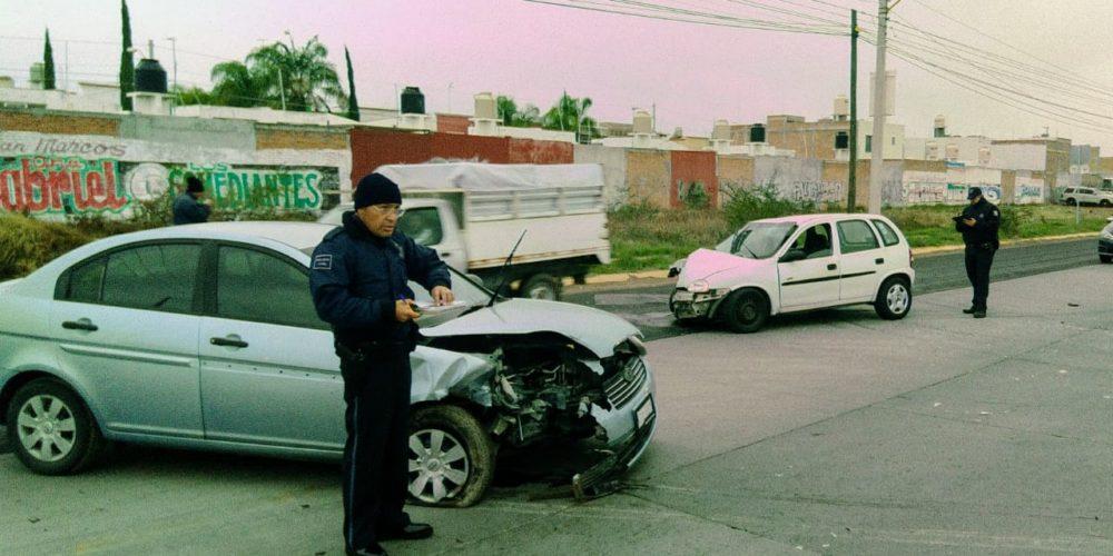 Descuido de conductora deja como saldo dos lesionados