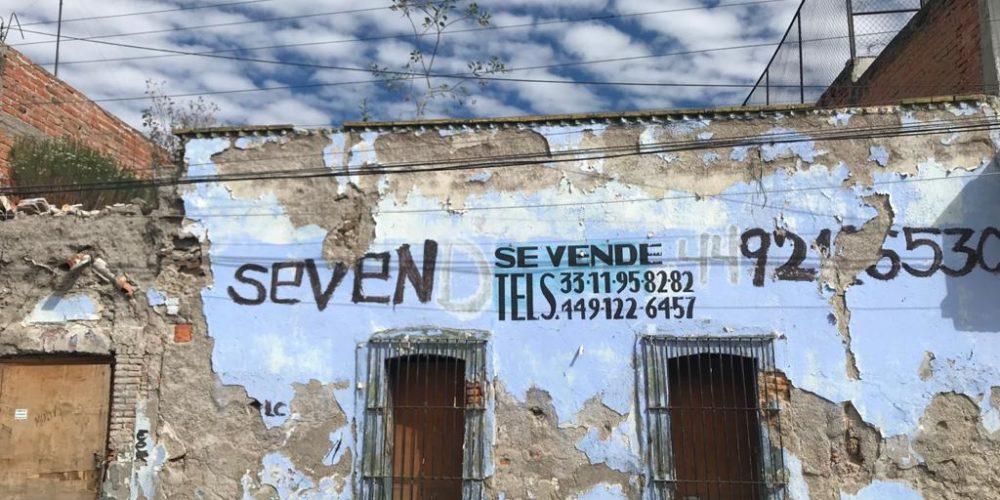 Denuncian vivienda en riesgo de derrumbe en la zona centro de Aguascalientes