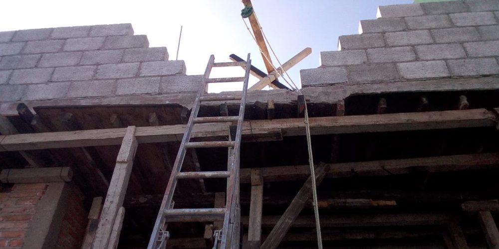 Albañil sufre caída de 4 metros al sur de Aguascalientes