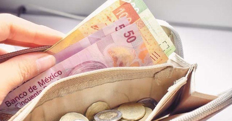 Salario mínimo aumentará 20%; llega a 123 pesos diarios