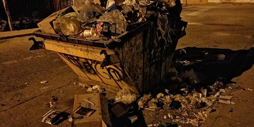 Vecinos reportan contenedores repletos de basura en Jesús María