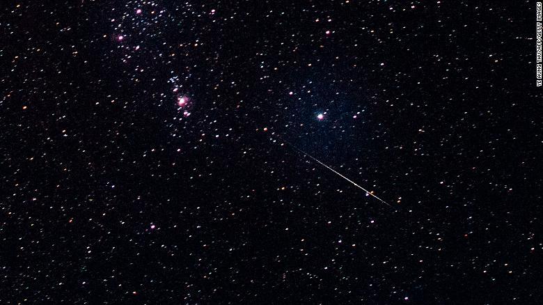 Hoy podrás observar la lluvia de meteoritos de las gemínidas