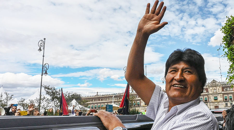 Evo Morales sale de México rumbo a Cuba