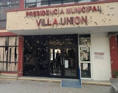14 muertos tras ataque a balazos a presidencia municipal de Villa Unión