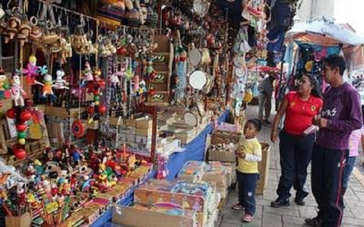 Acusan ambulantaje descontrolado en Aguascalientes