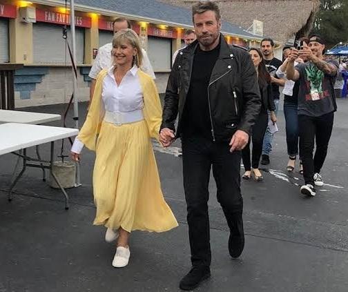 Travolta y Olivia Newton reviven a personajes de Grease