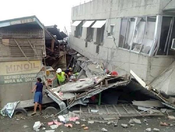Sacude terremoto de 6.8 grados a Filipinas