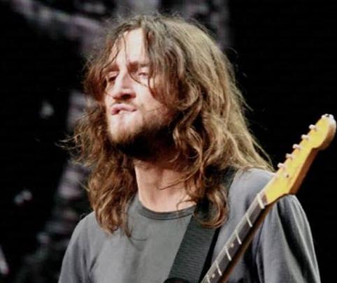 John Frusciante volverá con los Red Hot Chili Peppers
