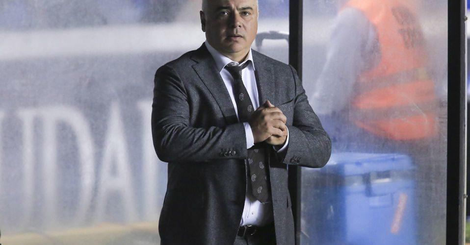 Memo Vázquez confirma su salida de Necaxa