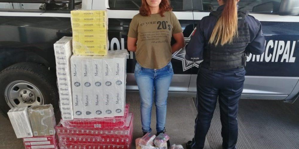 Capturan a una mujer con 200 mil cigarros ilegales y pirotecnia en Aguascalientes