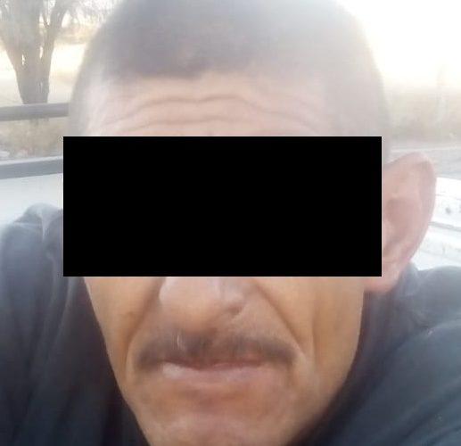 """Capturan a """"El loquillo"""" quien ingresó a una pensión y fue sorprendido quitándole piezas a un vehículo"""