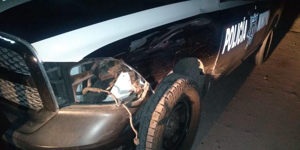Tras intentar darse a la fuga, sujeto en posesión de droga impactó una patrulla en Aguascalientes