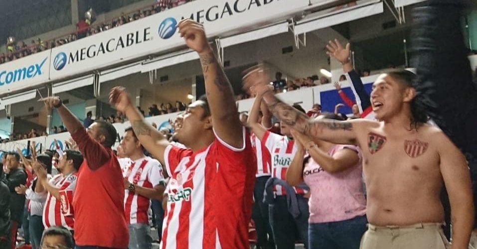 Afición necaxista llama a boicotear a directiva tras salida de 'Pipe' Gallegos