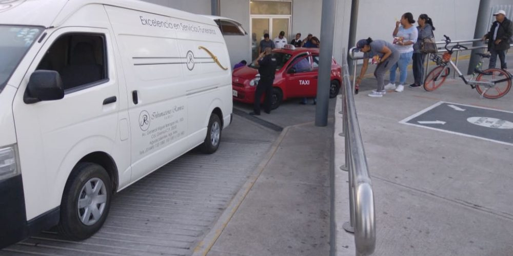 Le negaron el servicio en dos hospitales de Aguascalientes y murió