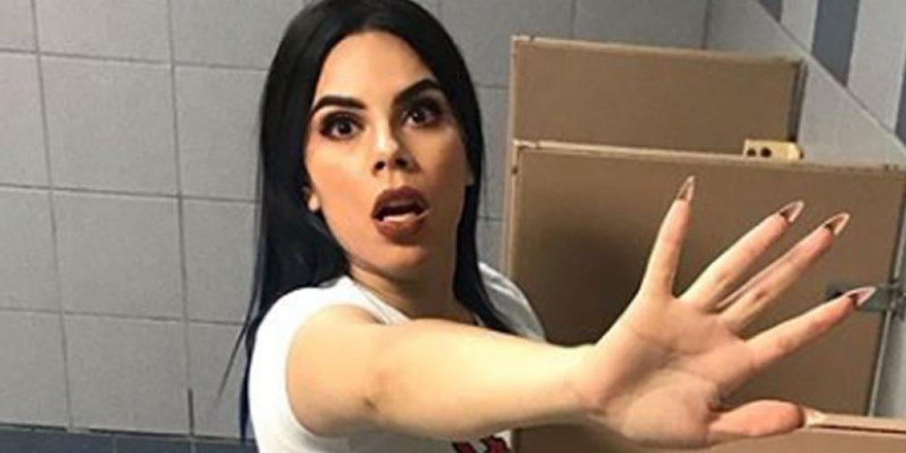 Fans le piden a Lizbeth Rodríguez que coma de la basura ¡y ella lo hace!