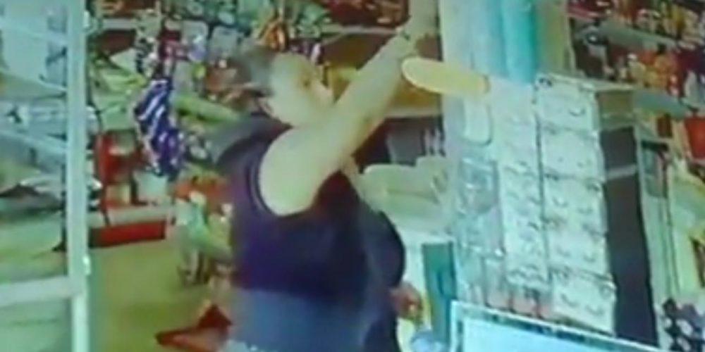 Exhiben a mujer que robó en carnicería de VNSA, en Aguascalientes