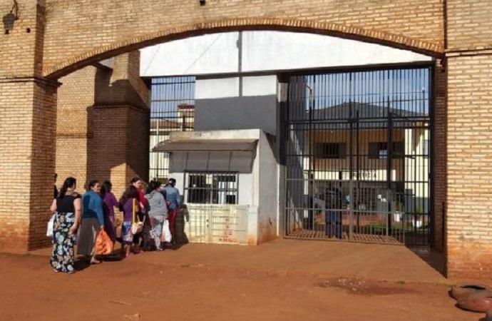 Por un túnel se fugan 90 reos de penal en Paraguay