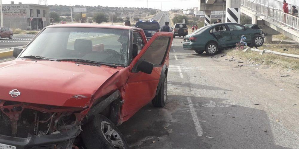 Accidente deja 3 lesionados en la 70 Oriente frente a Norias de Paso Hondo