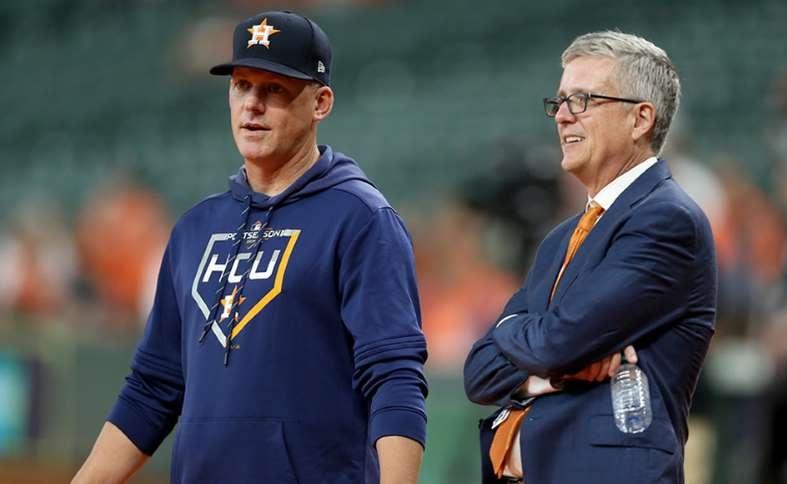 Por robo de señas despiden a gerente y manager de los Astros de Houston