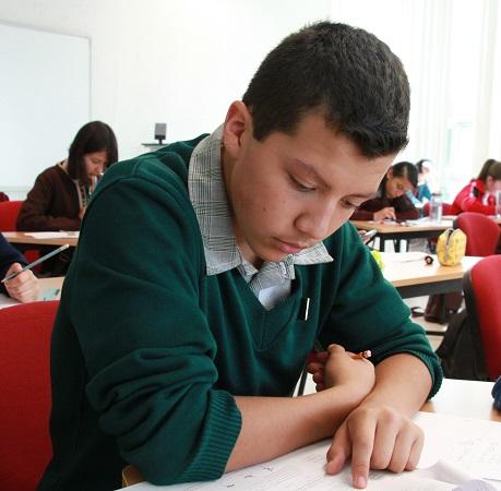 Checa el calendario de entrega de becas de educación básica del IEA