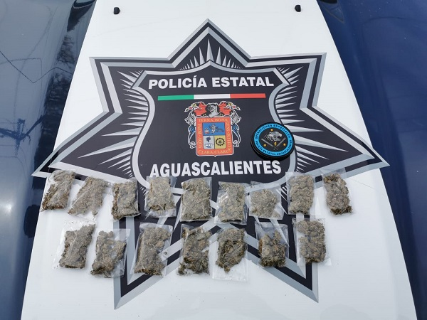 Detienen a presunto dealer con 16 envoltorios de marihuana en Aguascalientes