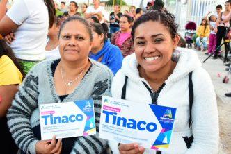 Municipio de Aguascalientes entrega tinacos en Villa Montaña