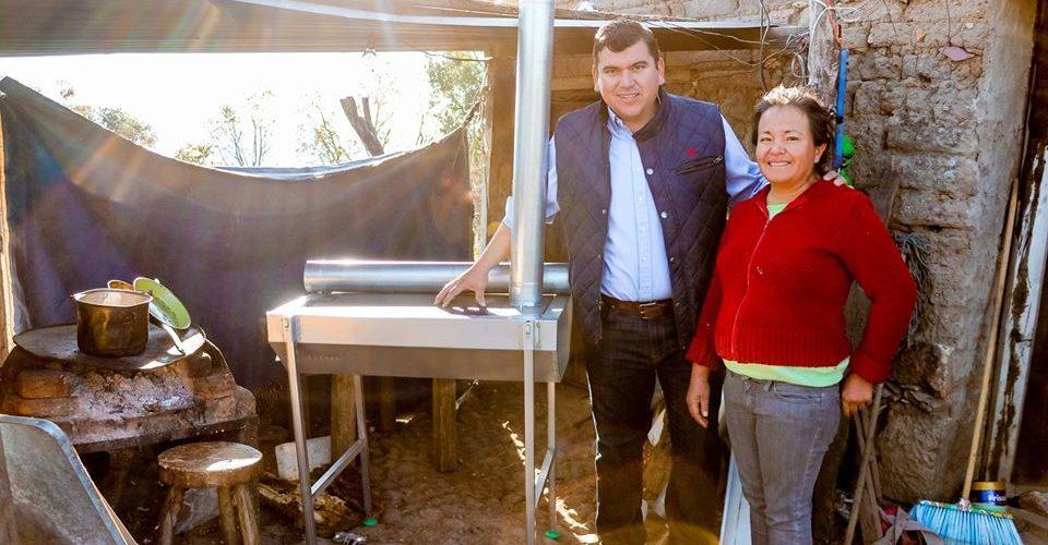 En Calvillo entregan estufas ecológicas