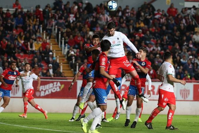 Chivas derrotó a Necaxa en juego de pretemporada en Aguascalientes