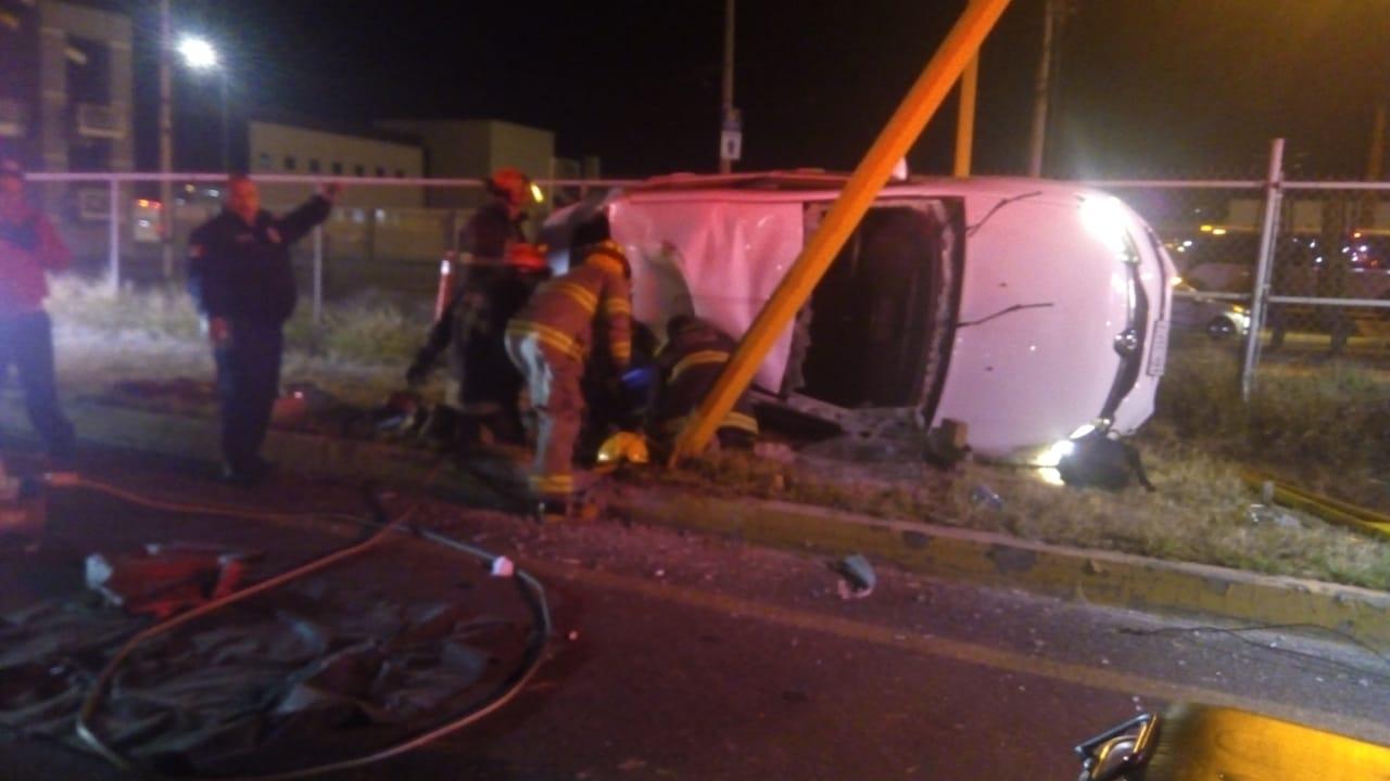 Volcadura deja 3 heridos en Aguascalientes, entre ellos un bebé