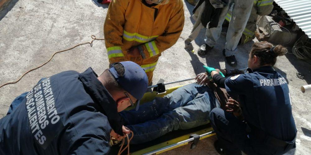 Hombre sufre descarga eléctrica en Norias de Ojocaliente