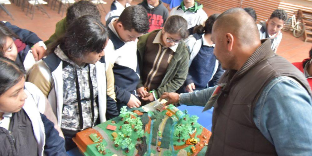 Sensibilizan a jóvenes de Jesús María sobre el cuidado ambiental