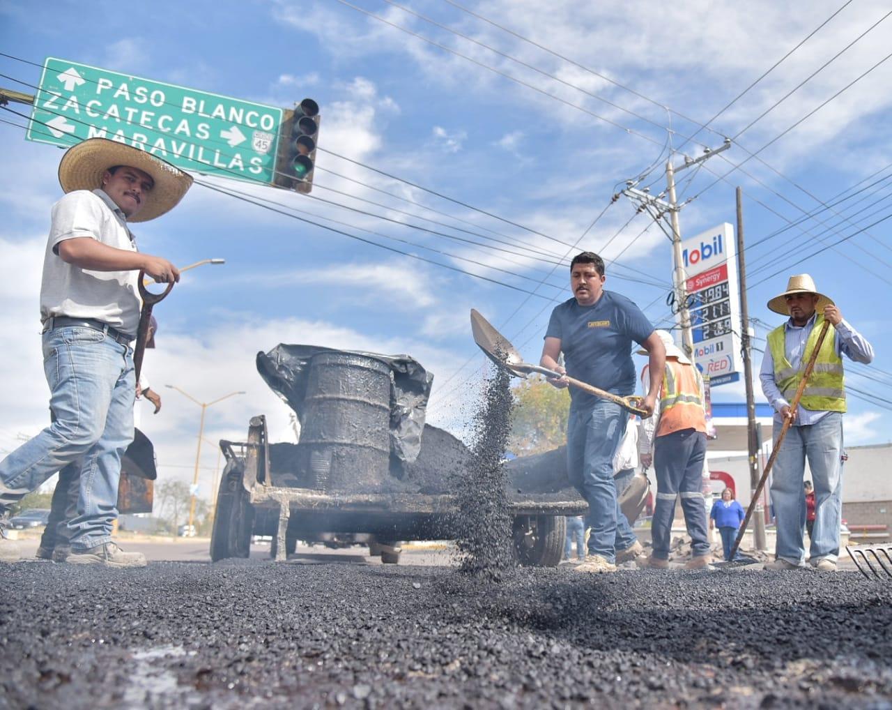 Jesús María arranca obras de bacheo en la Avenida Guadalupe