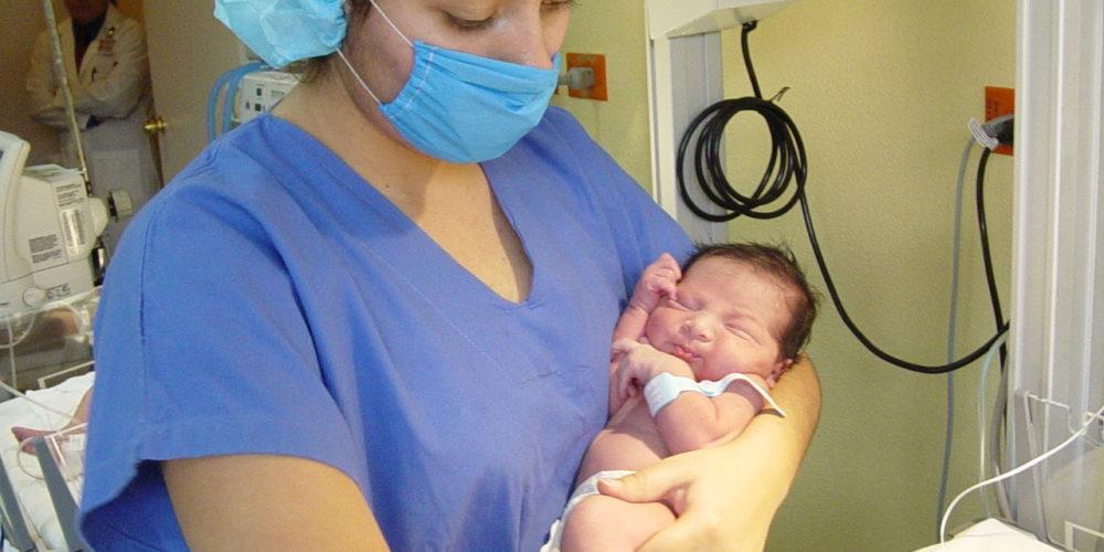 Emiten recomendaciones para proteger a bebés de enfermedades respiratorias