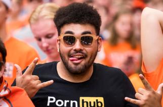 Sordo demanda a sitio 'porno' por no poner subtítulos en sus videos