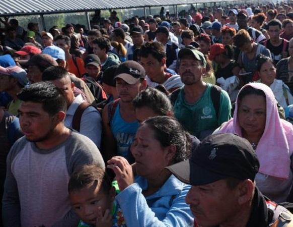 Iniciará caravana migrante huelga de hambre para que les permitan el paso por México