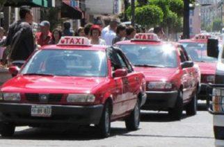 Taxistas de Aguascalientes reticentes a colocar parrillas para traslado de sillas de ruedas