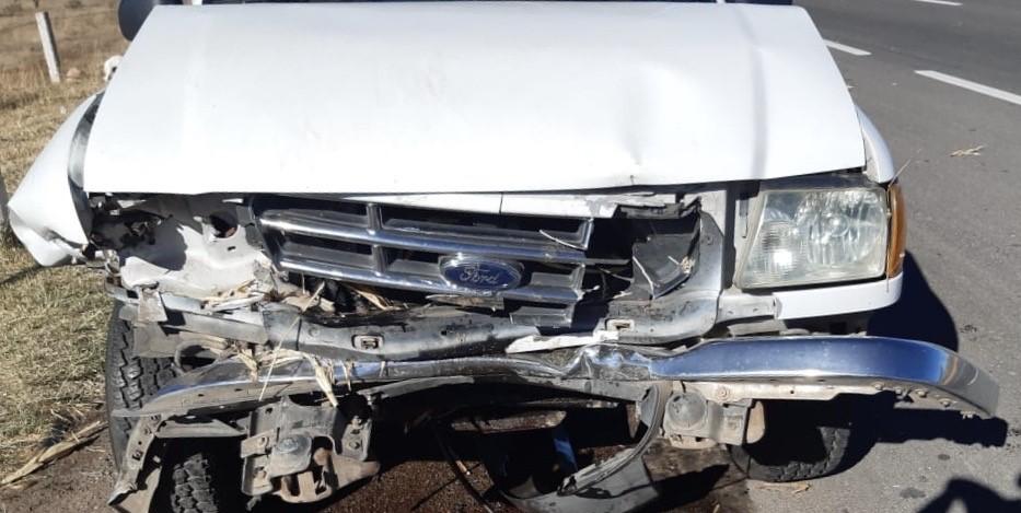 Choque entre camionetas deja un muerto en Rincón de Romos