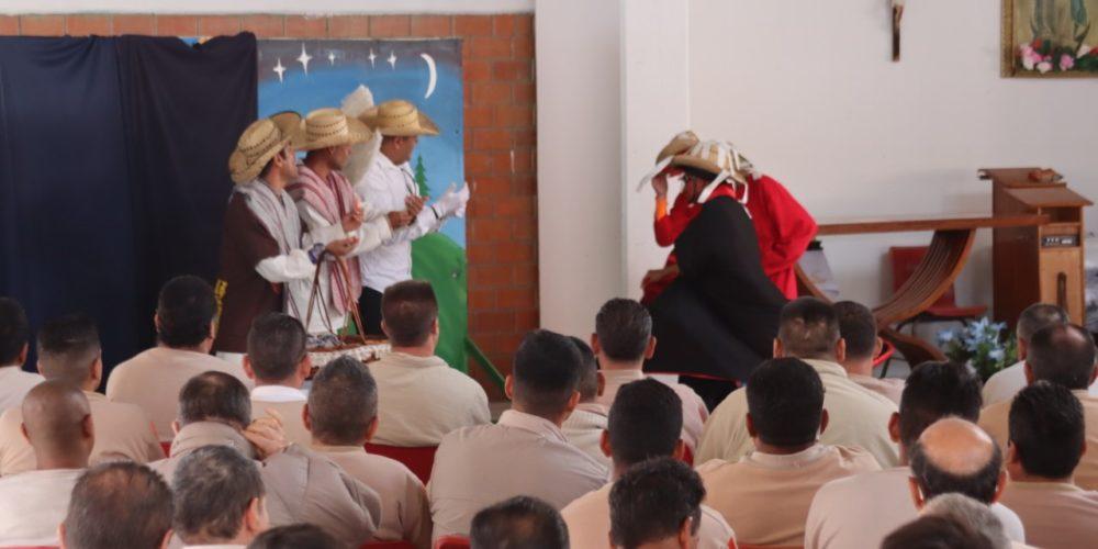 Con motivo de fin de año, internos del Cereso de El Llano participaron en una misa